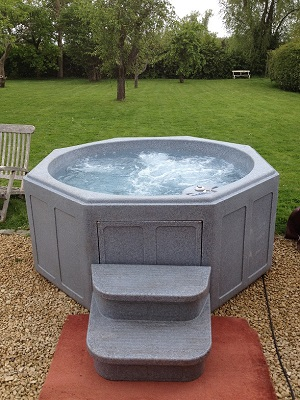 Christmas and New Year Hot Tub Hire Derby Nottingham Leicester Birmingham Sheffield